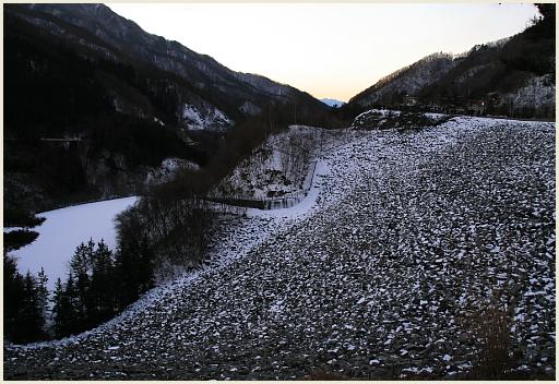 05_雪の山肌.jpg